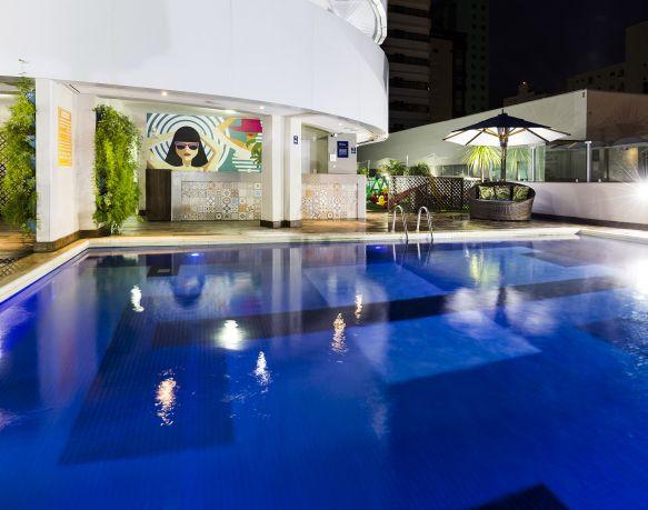 Piscina climatizada - Sibara Hotel